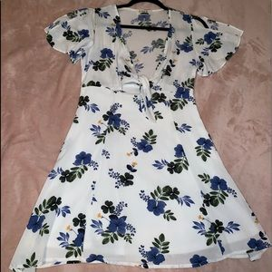 Dresses & Skirts - White and Blue floral dress